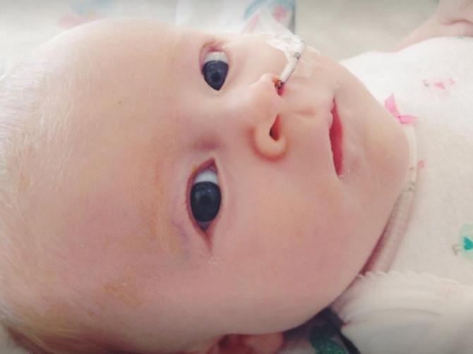 Samo nekoliko sati nakon što su je proglasili za zdravu bebu Kvin je potpuno posivela