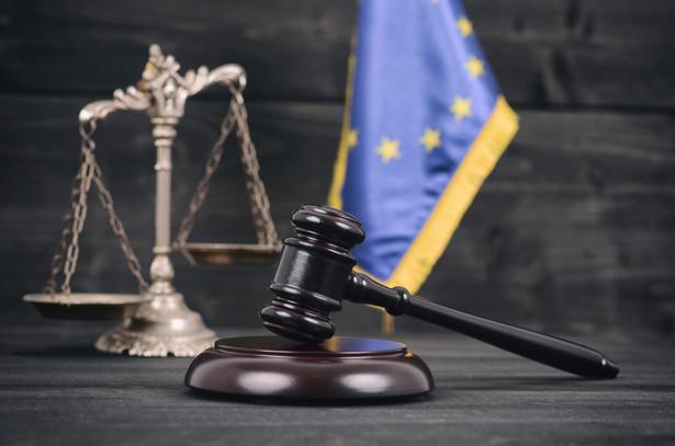 """Aż dwa miliony euro dziennie kary może grozić Polsce, jeżeli """"nie zamrozi"""" działania Izby Dyscyplinarnej SN"""
