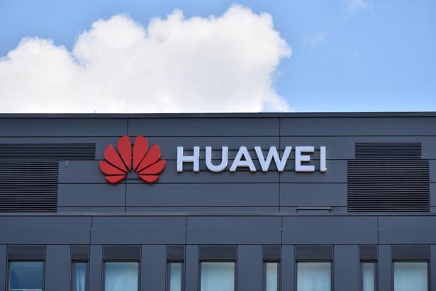 Według Reutersa co najmniej jedno pozwolenie na sprzedawanie swoich urządzeń Huaweiowi ma stracić japoński producent kart pamięci Kioxia.