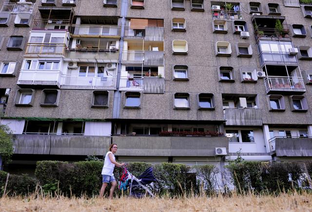 """""""Televizorke"""" na Novom Beogradu stvarno imaju specifičan oblik prozora"""