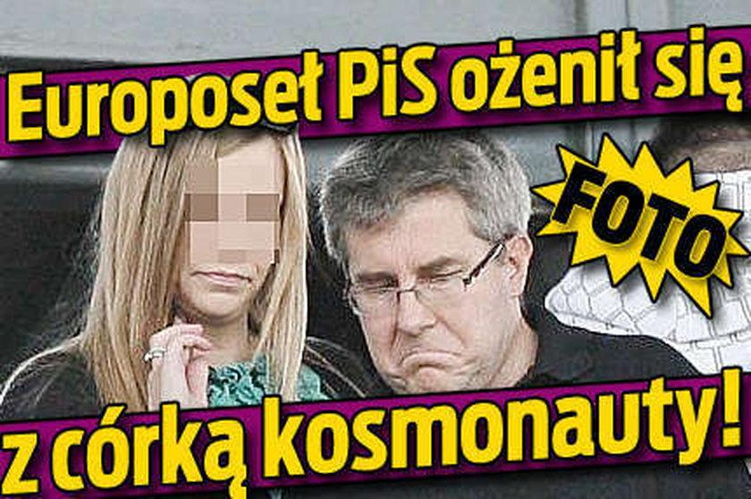Europoseł PiS ożenił się z córką kosmonauty!