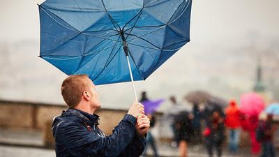 Synoptycy ostrzegają. To nie koniec silnych porywów wiatru. W Polsce zanotowano 165 km na godz.!