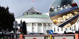 Wiemy, za ile Sejm kupuje przysmaki dla posłów. Wściekniesz się