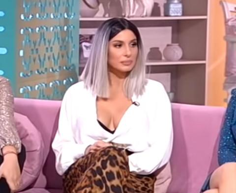 Bez dlake na jeziku: Mia ispričala šta je doživela kada je došla u stan Rade Manojlović! VIDEO