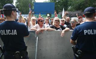 Policjant zabezpieczający manifestację przed Sejmem złożył zawiadomienie o groźbach
