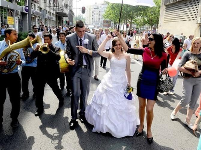 Beograđanka Ivana pravila je svadbu NA OVAJ DAN i uštedela 800 EVRA: Sve više parova donosi istu odluku, a evo u čemu je CAKA