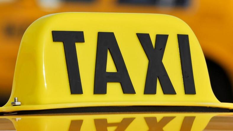 15 tys. zł kary zapłaci kierowca przewożący bez licencji na taxi