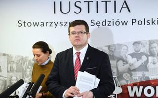 Iustitia opublikowała raport 'Wymiar sprawiedliwości pod presją'. 'Pokazuje ofiary i prześladowców'
