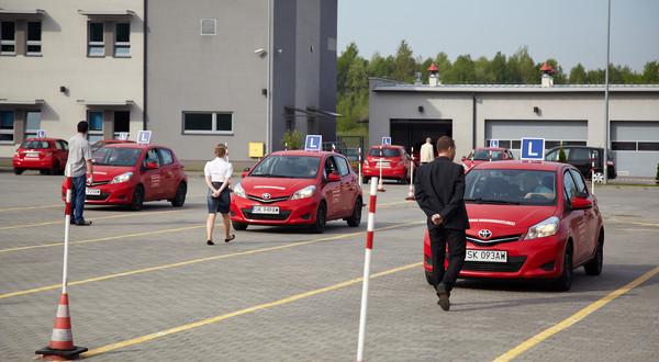 Coraz trudniej o ubogo wyposażone auto do egzaminowania kierowców