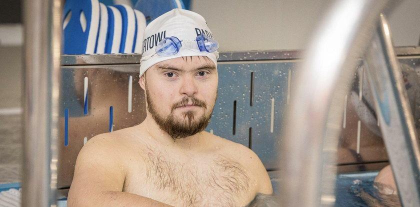 Bartosz Matusiewicz, chce spełnić swoje kolejne sportowe marzenie. Zespół Downa nie powstrzyma go, by zostać Ironmanem