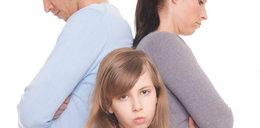 Pozbawienie władzy rodzicielskiej - co z alimentami?
