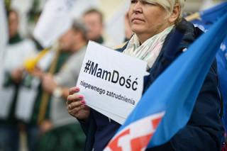 Mamy dość pracy do śmierci. Tak wyglądała manifestacja OPZZ pod hasłem 'Polska potrzebuje wyższych płac!' [ZDJĘCIA]