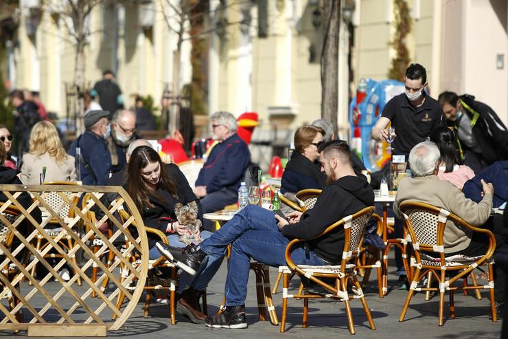 Srbija lepo vreme sunčano kafići februar 2021.
