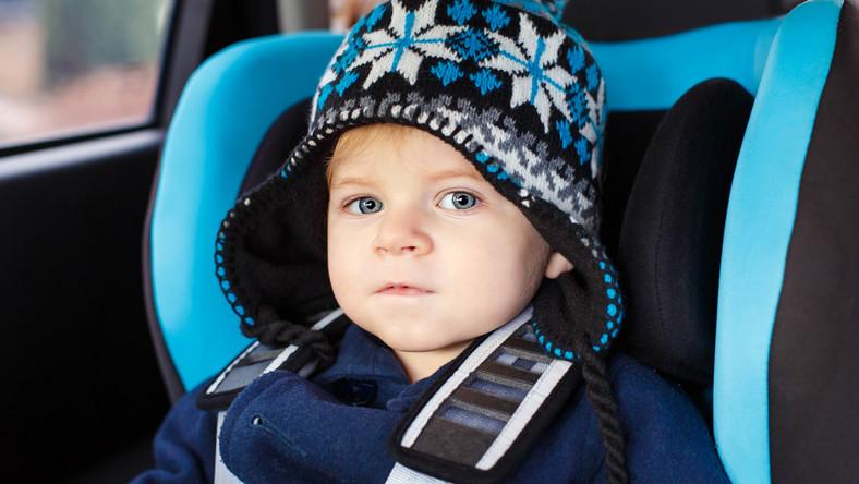 Jak przygotować się na zimową podróż z maluchem?