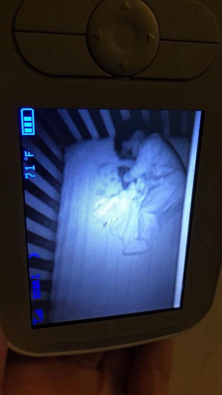 Beba, krevet, duh