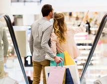 Promocje zapowiada wiele sklepów. Z roku na rok coraz więcej