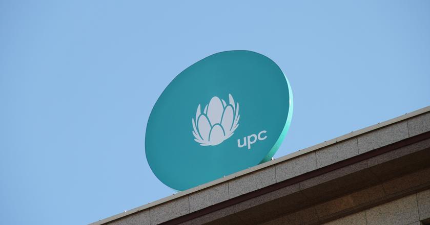 Nowe logo na warszawskiej siedzibie UPC Polska