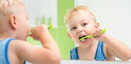 Niszczymy zęby dzieciom! Wiecie, gdzie tkwi błąd?