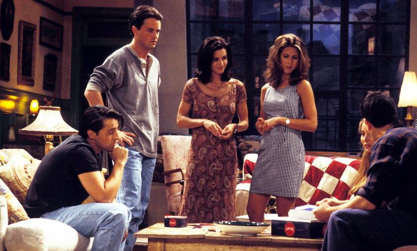 """""""Przyjaciele"""". Znamy tajemnice serialu. Matt LeBlanc skacowany na castingu, Jennifer Aniston miała słabość do kolegi z obsady"""