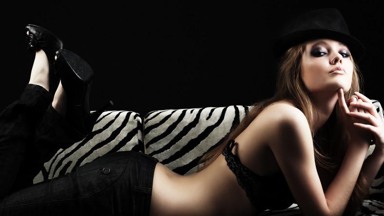 Kobiety otwarcie przyznają się do częstego uprawiania seksu oralnego i do masturbowania się