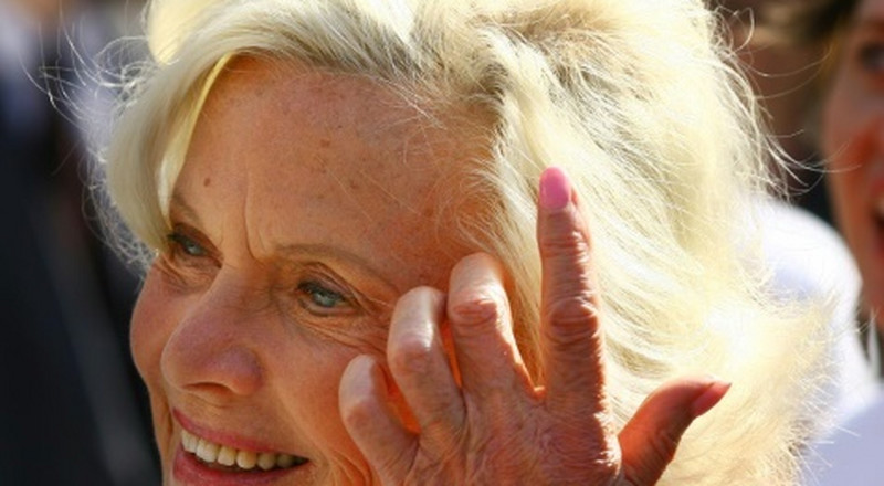 1960s Bond girl Honor Blackman dead at 94