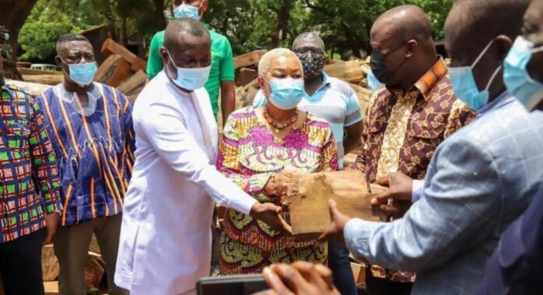 Jinapor hands over impounded Rosewood to National Cathedral board