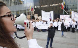 Czarnecki: Chciałbym, żeby młodzi lekarze zostali w Polsce. Trzeba im stworzyć dobre warunki