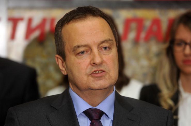 Ivica Dačić, Tanjug. D Goll