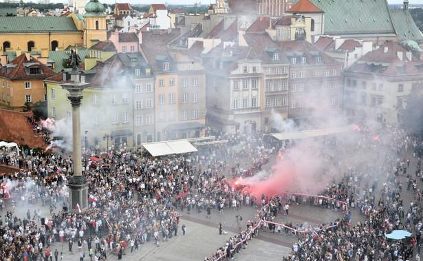 """W godzinę """"W"""" mieszkańcy stolicy stworzyli symbol Polski Walczącej, by uczcić pamięć i heroiczną walkę o niepodległość warszawskich powstańców"""