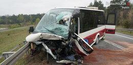 Śmierć po czołówce busa z osobówką na S1! Są też ciężko ranni