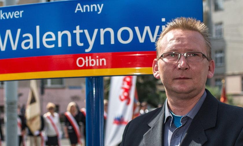 Radny zamierza odwrócić siędo Andrzeja Dudy plecami