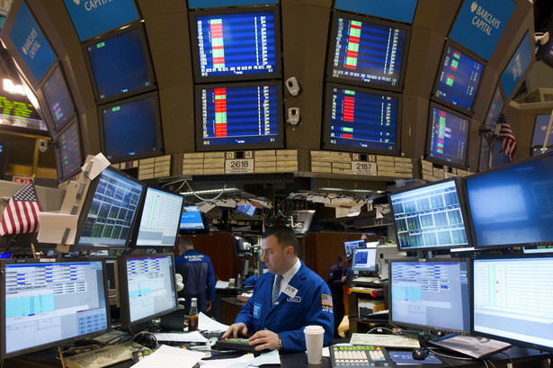 W piątek WIG20 zakończył dzień spadkiem o 1,3 proc., przy umiarkowanych obrotach, wynoszących 496 mln zł.