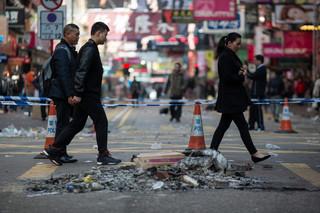 Starcie policji i sprzedawców w Hongkongu. Aresztowano 20 osób