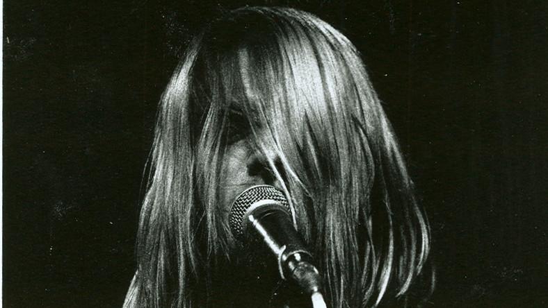 Do elitarnego Rock and Roll Hall of Fame trafiają wyłącznie wykonawcy, których fonograficzny debiut liczy 25 lat. Nirvana jako jedyna z grona została nominowana już w pierwszym roku, kiedy było to możliwe