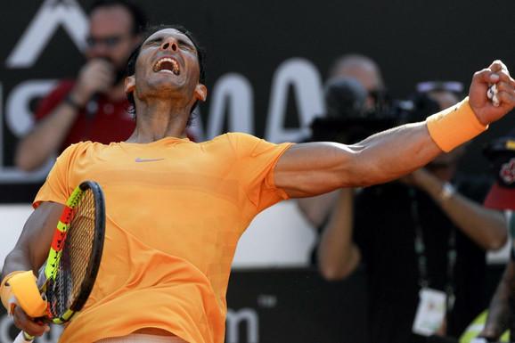 Rafael Nadal slavi trijumf nad Đokovićem u Rimu