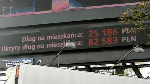 Agencja DBRS utrzymała rating zadłużenia Polski. Na zdjęciu licznik długu z 2013 roku