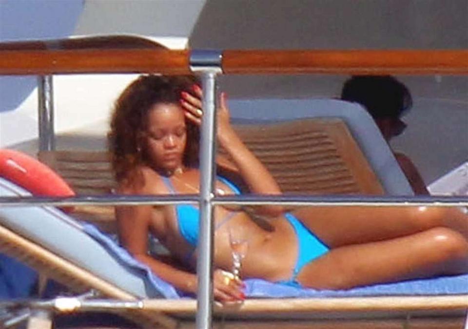 Rihanna seks lesbijski