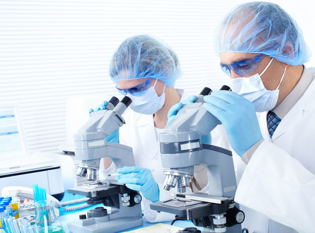 Labolatorium naukowcy badacze