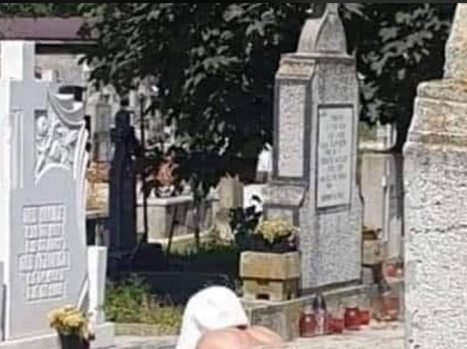 Scena sa groblja
