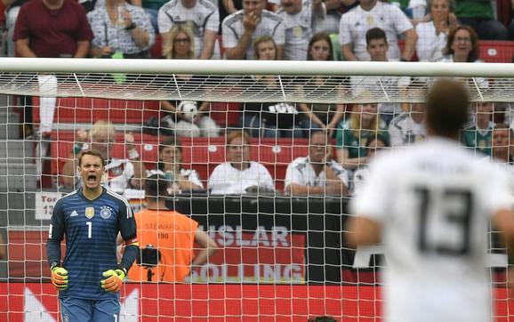 Manuel Nojer na golu fudbalske reprezentacije Nemačke