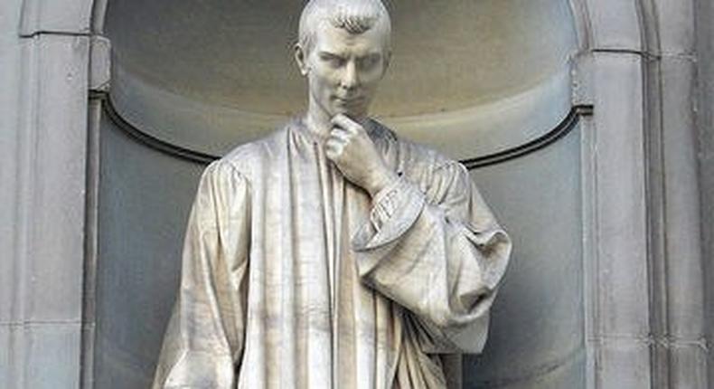 Statue of Niccolo Machiavelli
