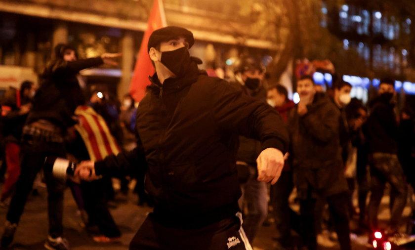 Kolejny dzień protestów w Hiszpanii po zatrzymaniu rapera
