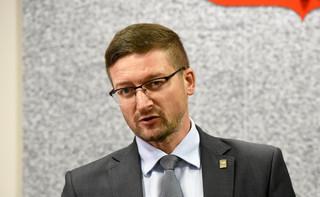 Wiceprezes Sądu Rejonowego wydał zgodę na wyjazd Juszczyszyna do Warszawy