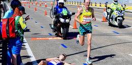 Dramatyczny upadek zawodnika na maratonie. A był o krok od zwycięstwa... FILM