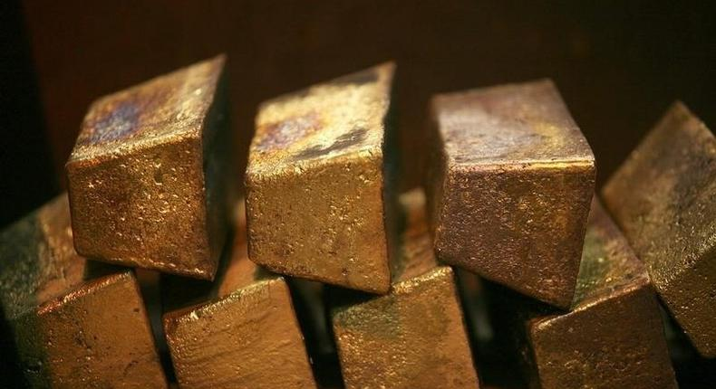 Gold bars are displayed at South Africa's Rand Refinery in Germiston May 30, 2006.