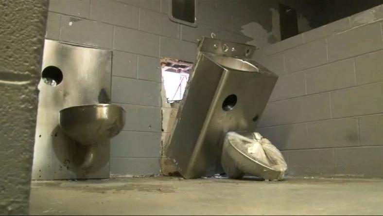 Prisoners escape jail by breaking the toilet and removing the water closet