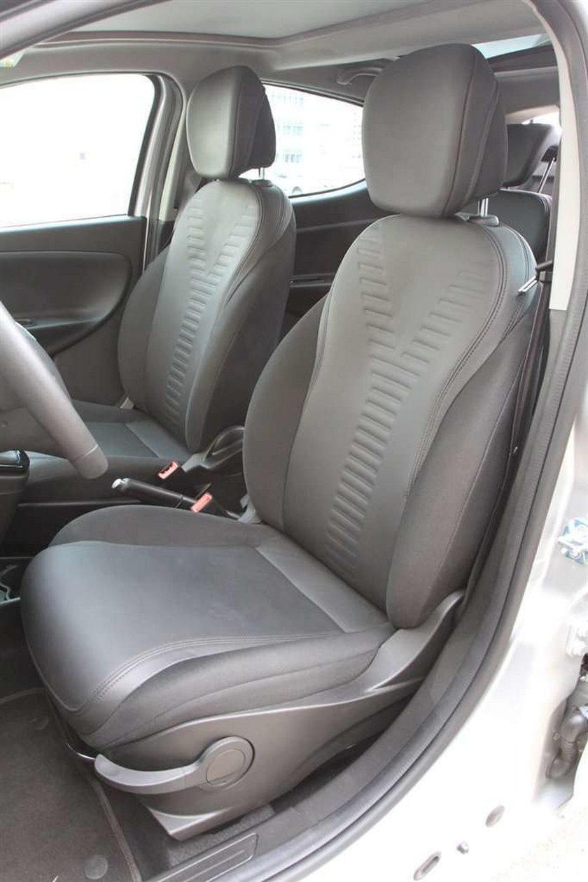 Lancia Ypsilon: elegancka tylko na pokaz