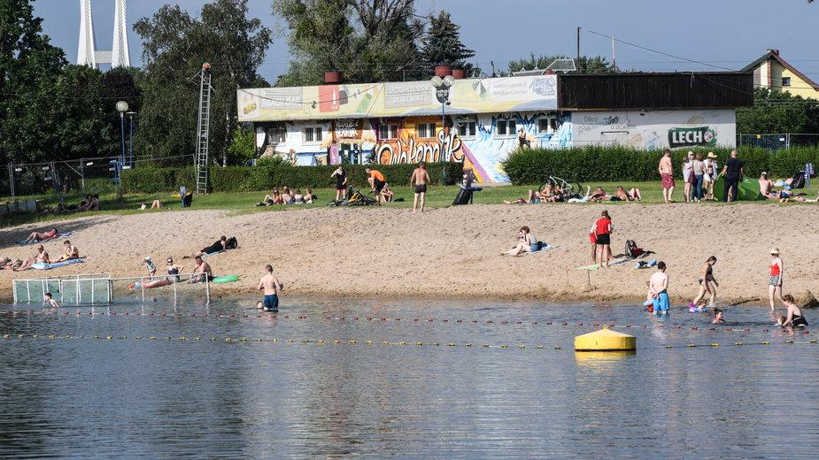 """Wroclawskie kąpielisko """"Glinianki"""""""