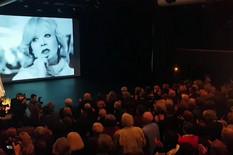 POSLEDNJI APLAUZ MILENI DRAVIĆ Kolege 10 minuta tapšale uz tužnu pesmu posvećenu preminuloj divi (VIDEO)