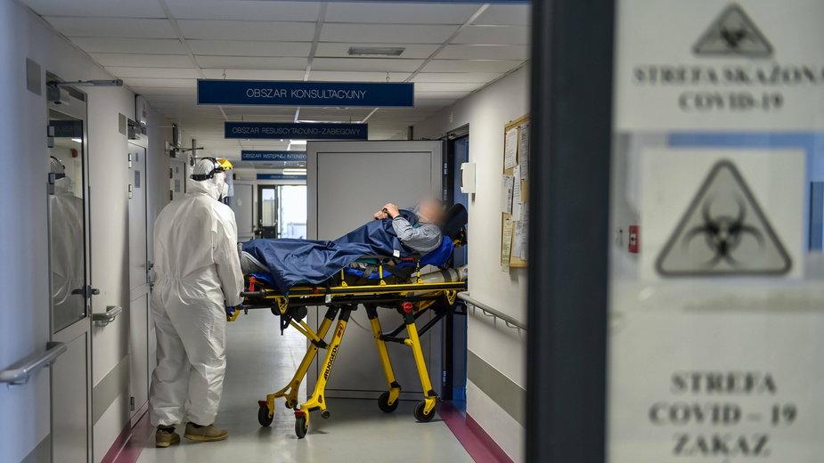 Koronawirus w Polsce. Odnotowano więcej ofiar koronawirusa niż w całym 2020 r